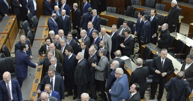 Lebanese parliament approves unity government