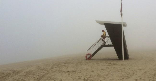 Heavy fog engulfs both Dubai and Abu Dhabi, delaying flights