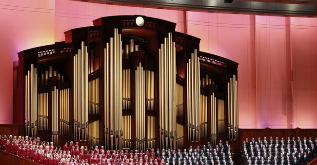 Mormon Tabernacle Choir singer quits over Trump inaugural