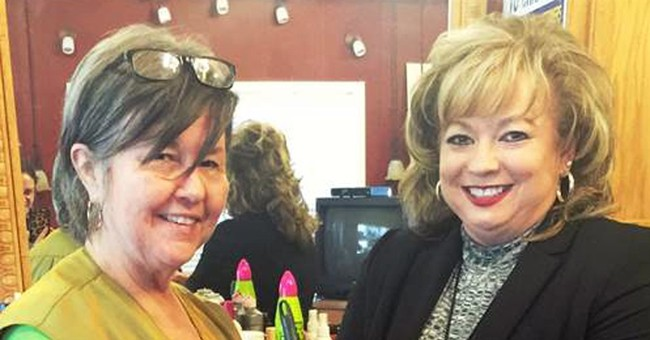 After dead birds arrive in mail, woman gets living canaries