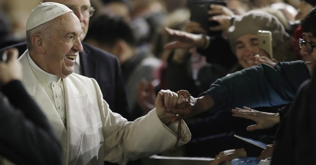 Pope urges the faithful to help youth find purpose