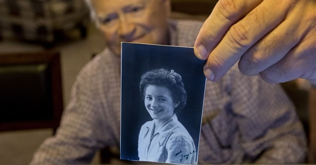 WWII vet begins journey to reunite with wartime girlfriend