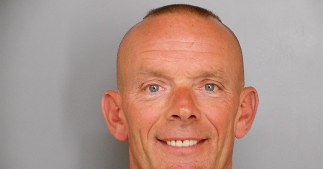 Documents: Officers quickly rejected suicide in cop's death
