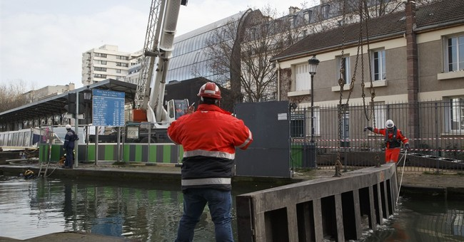 Draining will turn Paris canal into puddle for cleaning