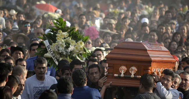 Governor says Mexican mayor's killing a warning by drug gang