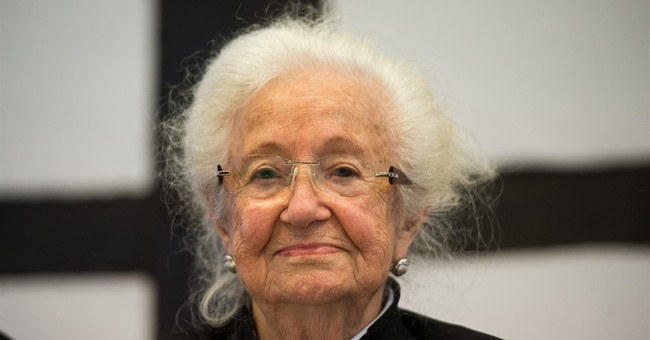 Ex-SS guard on trial in late push to punish Nazi crimes