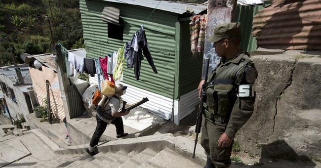 In Central America, gangs an obstacle in battle against Zika
