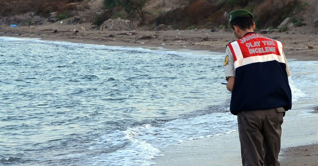 2 alleged human smugglers on trial over Aylan Kurdi's death