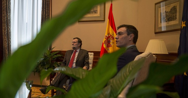Spain premier doesn't shake hands with opposition leader