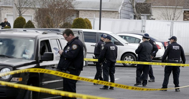 Suspect arrested in deadly stabbing of woman, 3 kids
