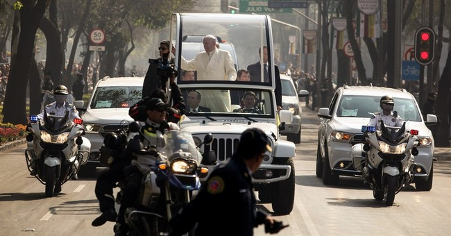 Pope condemns drug trade's 'dealers of death' in Mexico