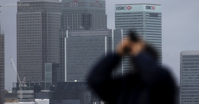 HSBC to keep HQ in London, decides against move to Asia