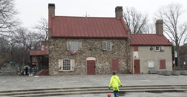 Where is unmarked burial place from 1776 Battle of Brooklyn?