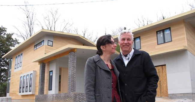 Court sides with owners of modern house in historic district