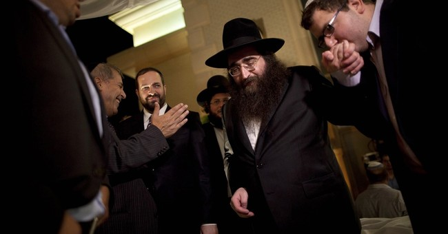 Israeli celebrity rabbi goes to prison for bribery
