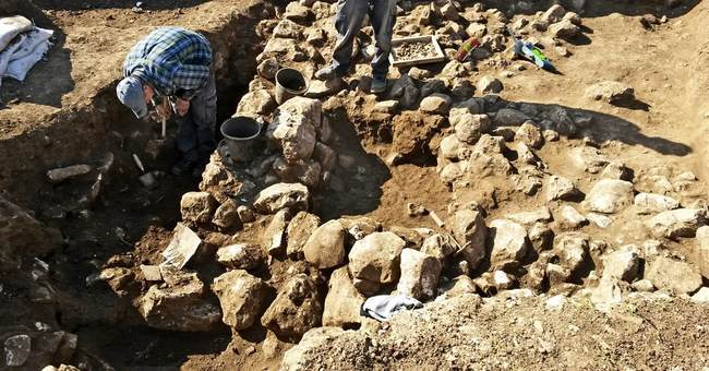 Israeli archaeologists discover 7,000-year-old settlement