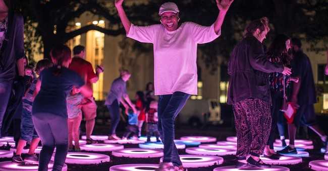 Light up the night: Cities host large-scale light festivals