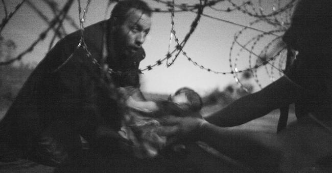 Australian wins World Press Photo award for migrants image