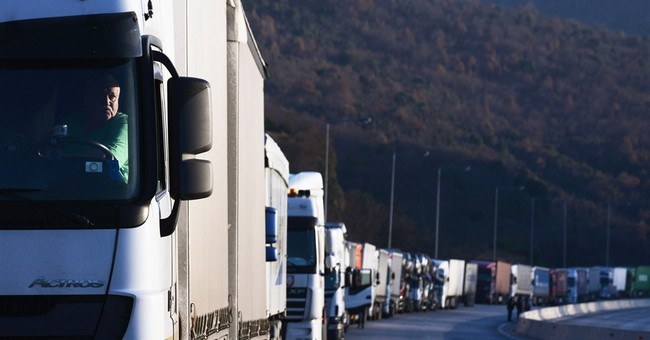 More than 2,800 vehicles stuck on Greek-Bulgarian border
