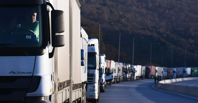 More than 2,800 vehicles stuck on Greek-Bulgarian border