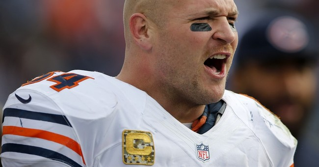 Ex Chicago Bears star Brian Urlacher no longer bald