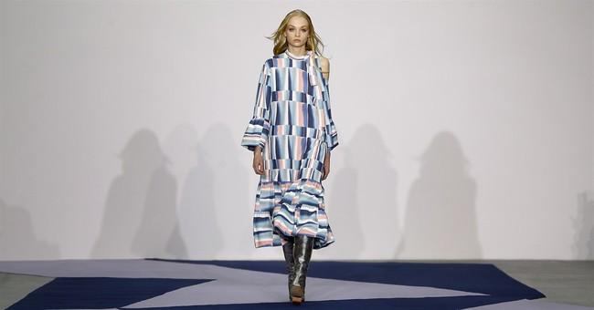 London Fashion Week kicks off 5 days of shows; sun peeks out