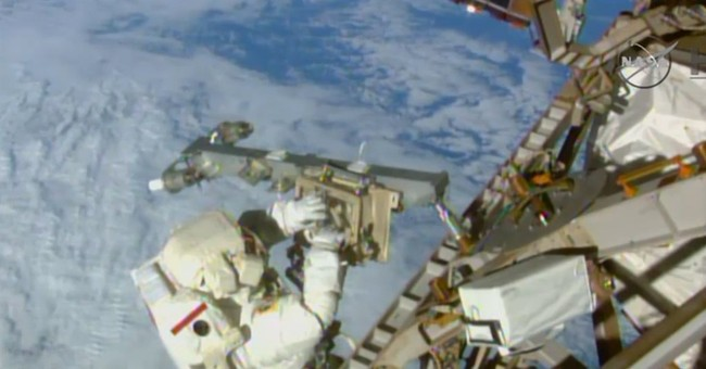 Record number of astronaut wannabes apply to NASA _ 18,300
