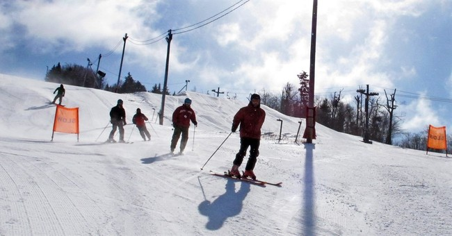 Vermont veterans with PTSD go skiing to bond, heal