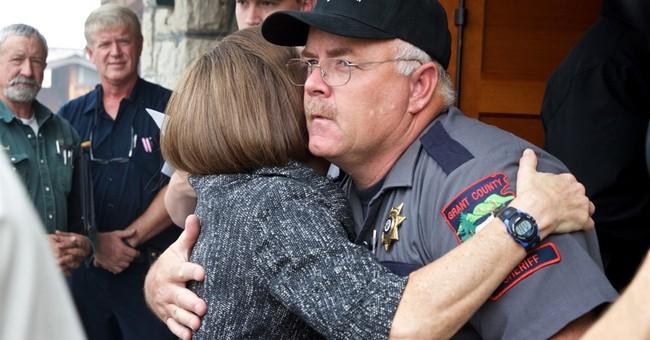Oregon investigates complaints vs. sheriff who met occupiers