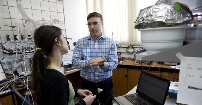 Arab Israeli professor breaks barriers at home and abroad