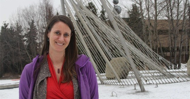 Alaska regulators to take applications for pot businesses