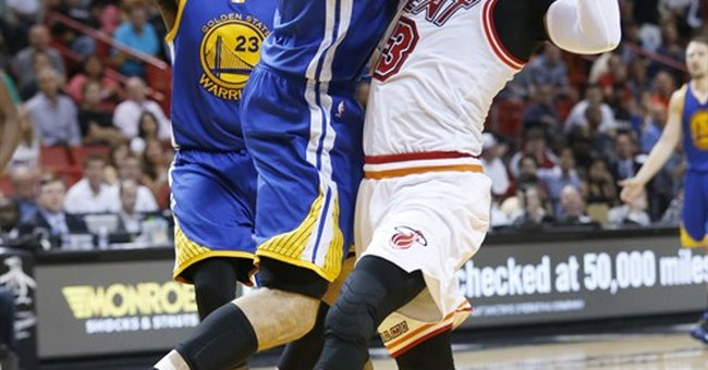 Curry, Thompson come through late, Warriors top Heat 118-112