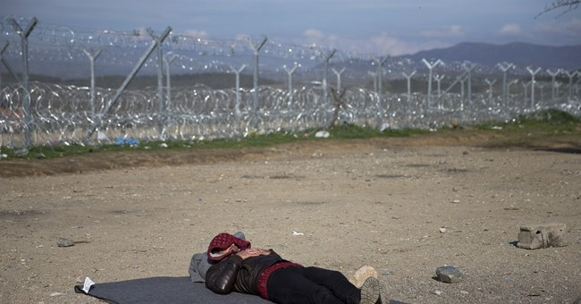 Migrants stranded on Greece's highways as borders close