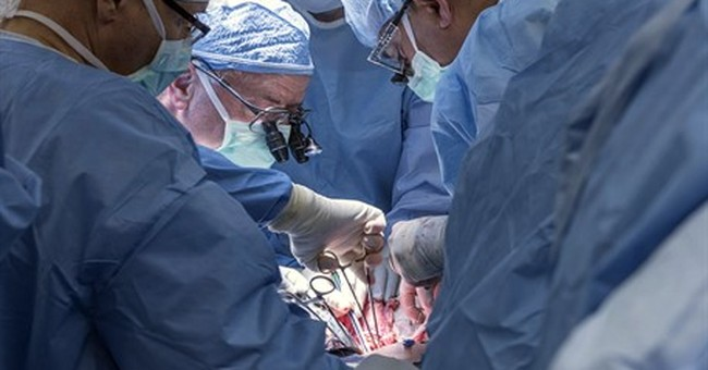Cleveland surgeons perform nation's first uterus transplant