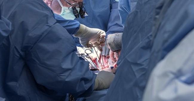 Cleveland surgeons perform nation's first uterus transplant