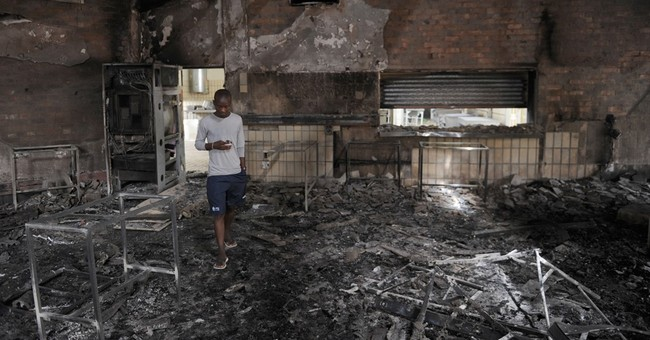 South Africa: Protesting students torch university buildings