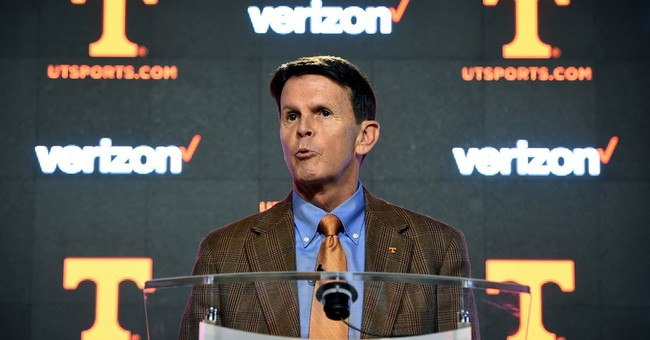Tennessee AD Dave Hart stands by embattled football coach