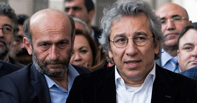 Turkish high court rules in favor of 2 jailed journalists