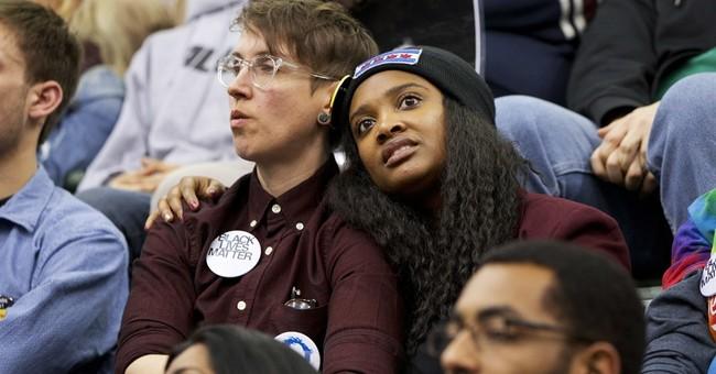 AP Poll: 2 in 3 say gender has no bearing on 2016 choice
