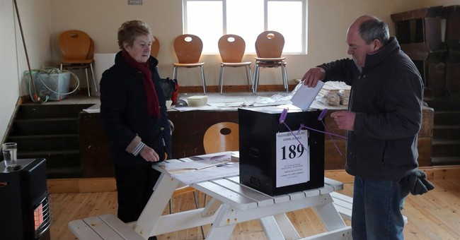 Ireland votes amid austerity anger, fears of hung parliament