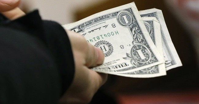 US consumer spending up solid 0.5 percent in January