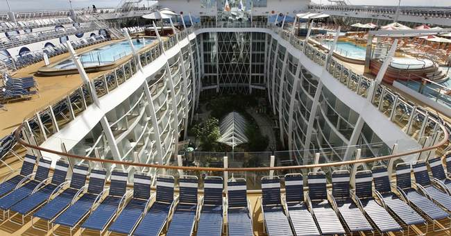 Cruise ship food: 10,680 hot dogs just tip of the iceberg