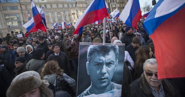 Muscovites mark year since opposition chief Nemtsov slain