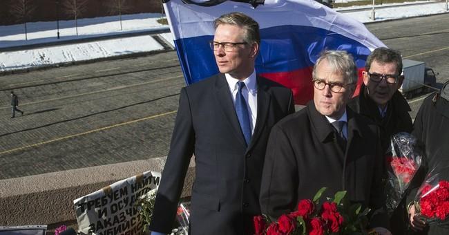 EU ambassadors pay respects to slain Russian politician