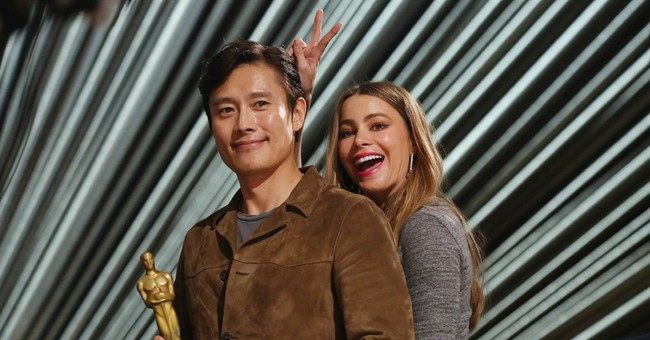 Oscar rehearsals beckon a parade of dressed-down stars