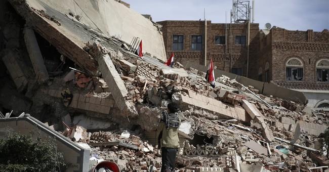 Saudi-led airstrikes in Yemen intensify as rebels fire back