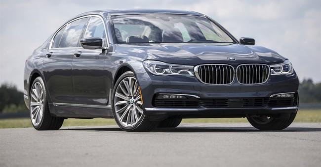 Fact sheet: 2016 BMW 750i