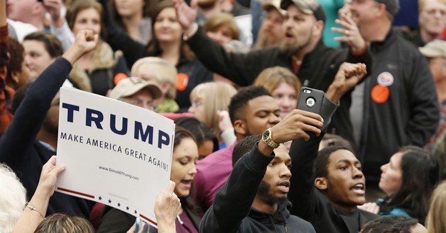 Photographer, Secret Service agent tussle at Trump rally