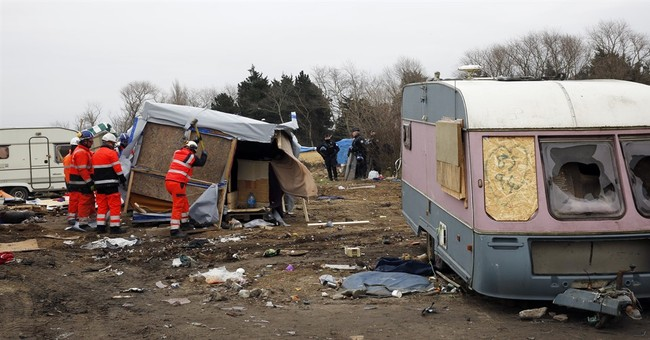 Rights groups accuse France of brutality in Calais eviction