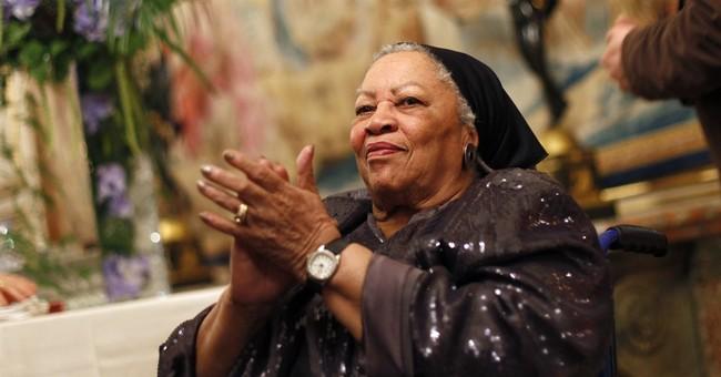 Toni Morrison receives $25,000 honorary award from PEN